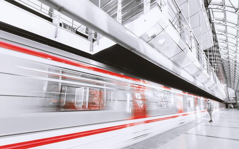 日本の電車文化は独特?海外での電車マナー・ルールを予習しておきましょう