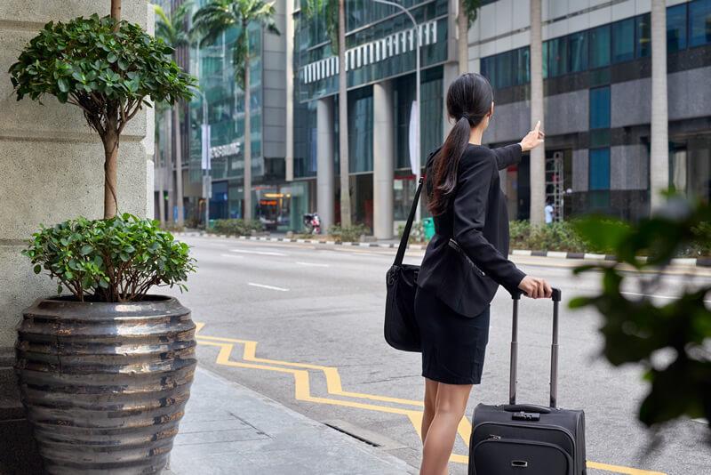 中国・シンガポールではタクシーが止まらないって本当?