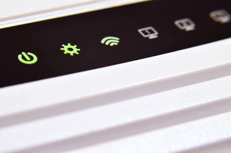 家族で海外旅行に行くならネット環境は「データローミング」より「レンタルWiFi」がお得