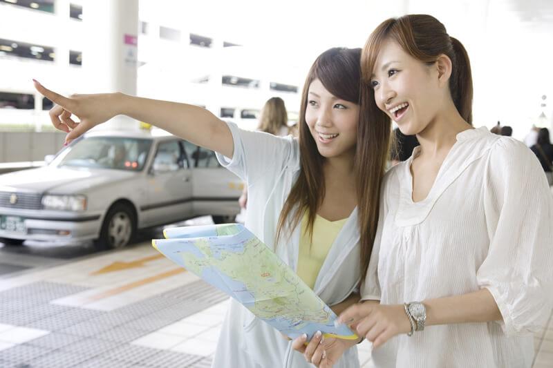 グループで海外旅行をするとき、レンタルWiFiは何台あれば良い?
