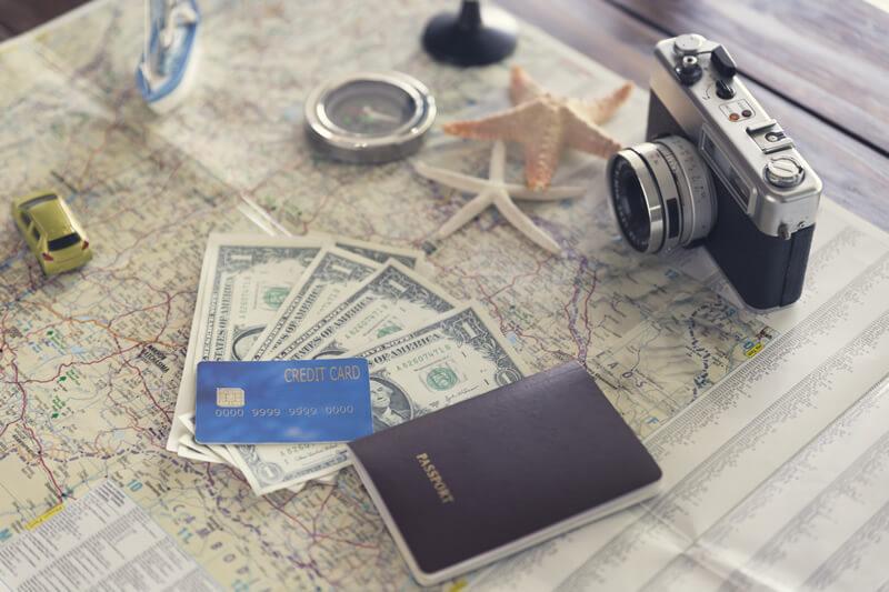 海外旅行での所持金は「現金」と「クレジットカード」どちらが良いの?