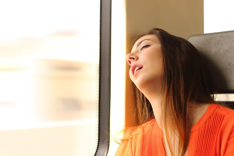 海外旅行を快適にする時差ボケ解消法