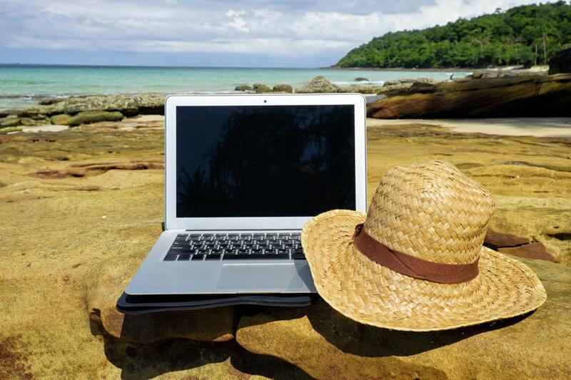 海外でもキャリアメールは使える?旅行中でもメールを自由に送る方法