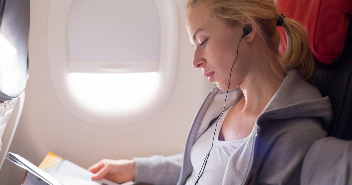 長時間フライトを充実させよう!機内を有意義に過ごす方法4選