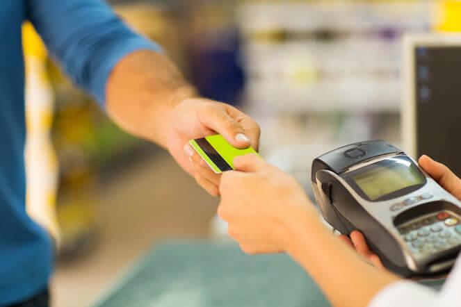 利用額が増額しやすい?!海外でクレジットカードを使う前に知っておきたい5つのこと