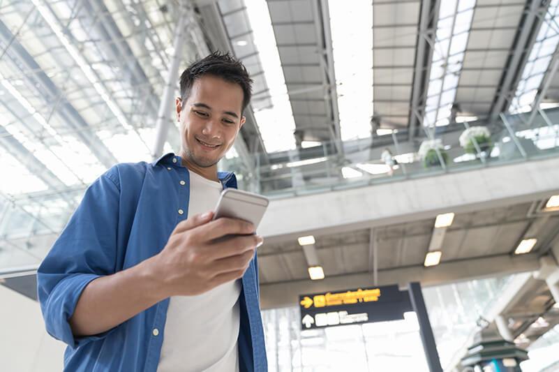 海外から電話をしたい時は、データ通信で繋がれるサービスを使いましょう